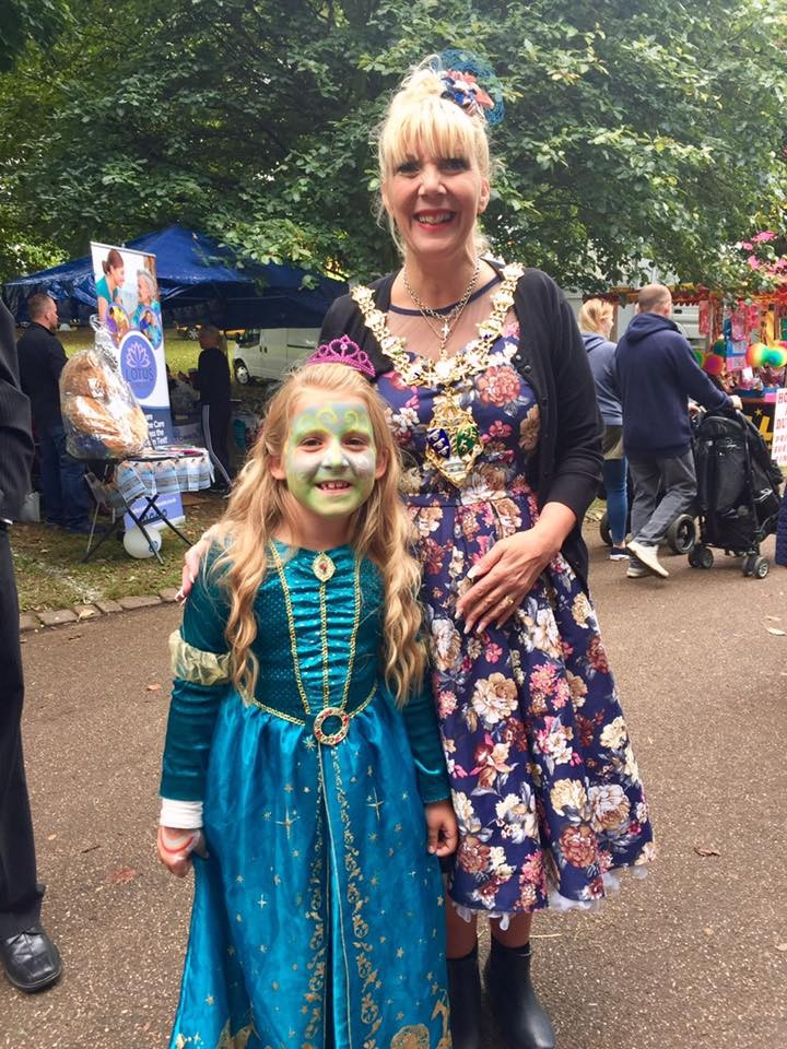 Rotherham Mayoress and a young girl dressed as aprincess